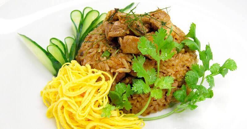 カーオ・パット・ナムプリック・ターデーン(ナムプリック・ターデーンの炒めごはん)ข้าวผัดน้ำพริกตาแดง