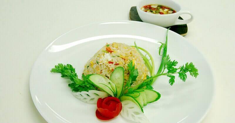 カーオ・パット・プー(カニの炒めごはん)ข้าวผัดปู