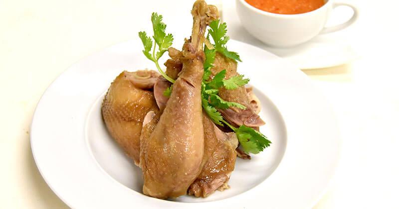 ガイ・トム・ナムプラー(鶏肉のナムプラー煮)ไก่ต้มน้ำปลา